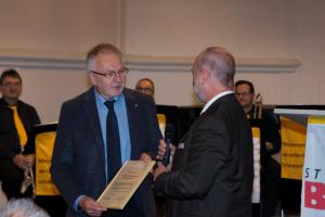Robert Kernl 60 Jahre Urkunde erhalten